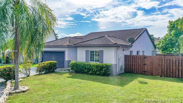 7544 SW 157th Ct, Miami, FL 33193 (MLS #A10753639) :: Grove Properties