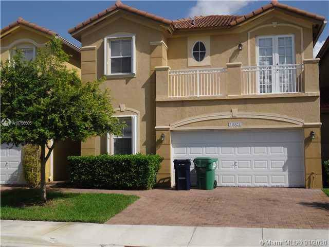 10923 NW 87th Ln, Doral, FL 33178 (MLS #A10756505) :: ONE Sotheby's International Realty
