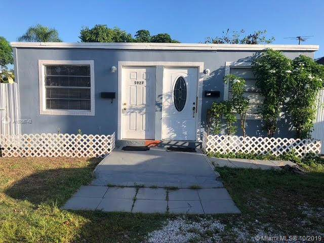 5925 SW 64th St, South Miami, FL 33143 (MLS #A10756742) :: Grove Properties