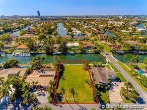 606 Hibiscus Dr, Hallandale Beach, FL 33009 (MLS #A10761086) :: Carole Smith Real Estate Team
