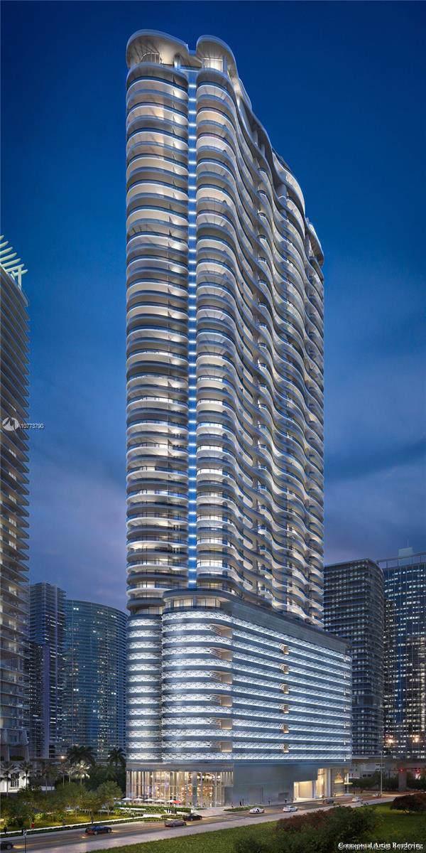 1000 Brickell Plaza #2801, Miami, FL 33131 (MLS #A10773790) :: Albert Garcia Team
