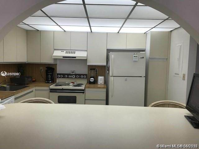 18151 NE 31st Ct #804, Aventura, FL 33160 (MLS #A10779345) :: Berkshire Hathaway HomeServices EWM Realty