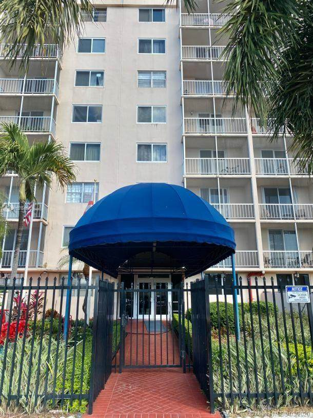 1251 NE 108th St #223, Miami, FL 33161 (MLS #A10784890) :: The Pearl Realty Group