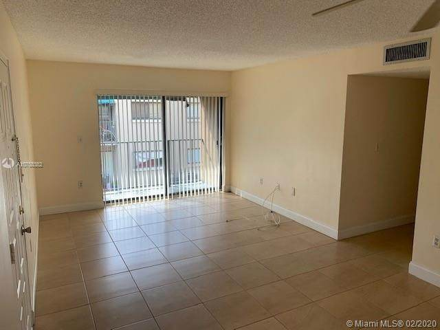 7419 SW 152nd Ave 8-206, Miami, FL 33193 (MLS #A10788382) :: The Riley Smith Group