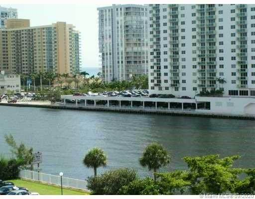 Hallandale Beach, FL 33009 :: Carole Smith Real Estate Team