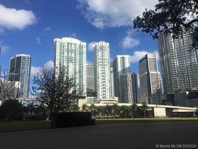 31 SE 5th St #3912, Miami, FL 33131 (MLS #A10808001) :: GK Realty Group LLC