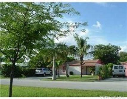 2149 NE 179th St, North Miami Beach, FL 33162 (MLS #A10810727) :: Berkshire Hathaway HomeServices EWM Realty