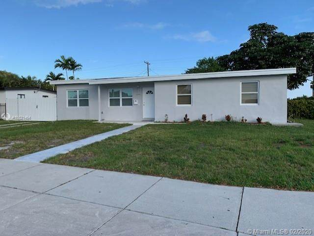 Miami, FL 33165 :: Grove Properties