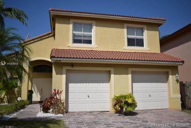 23644 SW 107th Ct, Homestead, FL 33032 (MLS #A10840526) :: THE BANNON GROUP at RE/MAX CONSULTANTS REALTY I