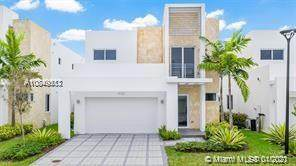 6850 NW 103rd Ave, Doral, FL 33178 (MLS #A10849512) :: Carole Smith Real Estate Team