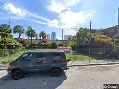 845 NW 4th St, Miami, FL 33136 (MLS #A10865466) :: Berkshire Hathaway HomeServices EWM Realty