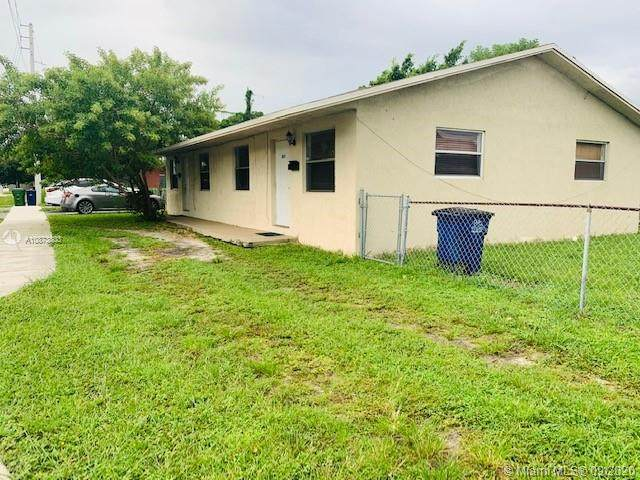 802 NW 10th St, Hallandale Beach, FL 33009 (MLS #A10873803) :: Berkshire Hathaway HomeServices EWM Realty