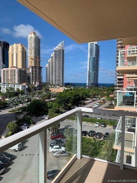 Sunny Isles Beach, FL 33160 :: Carole Smith Real Estate Team