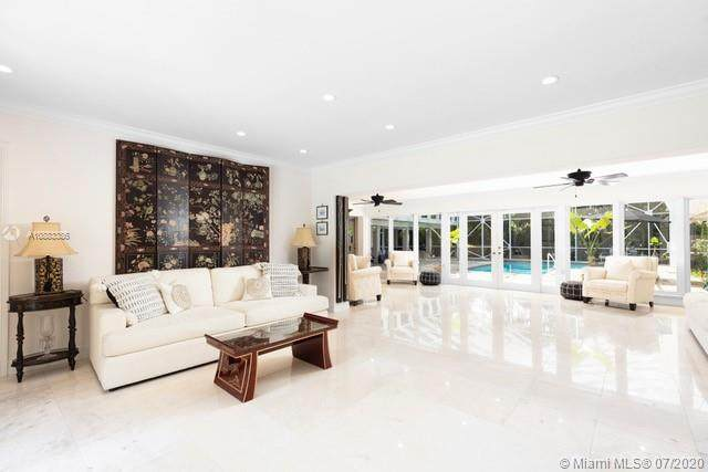 568 Hibiscus Ln, Miami, FL 33137 (MLS #A10883386) :: The Riley Smith Group