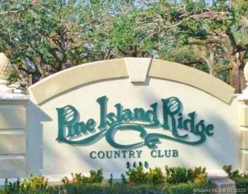 9480 Poinciana Pl #306, Davie, FL 33324 (MLS #A10891137) :: Green Realty Properties