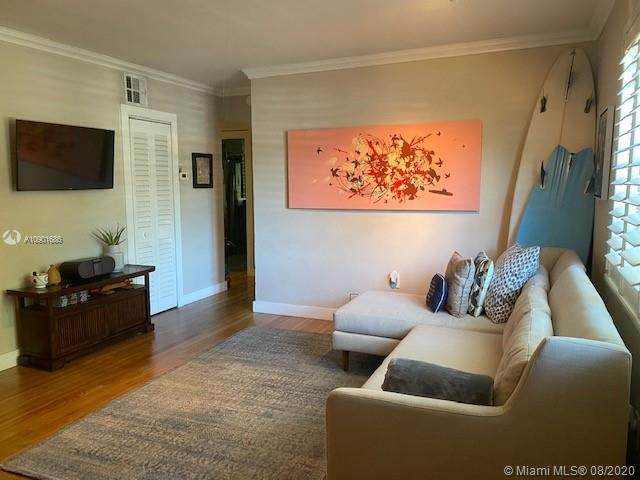 7865 SW 57th Ave 46B, South Miami, FL 33143 (MLS #A10901686) :: Lifestyle International Realty