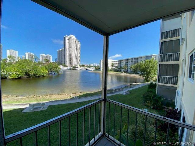 2930 Point East Dr E202, Aventura, FL 33160 (MLS #A10906440) :: Castelli Real Estate Services