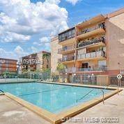 1950 W 56th St 2302D, Hialeah, FL 33012 (MLS #A10915049) :: Carole Smith Real Estate Team