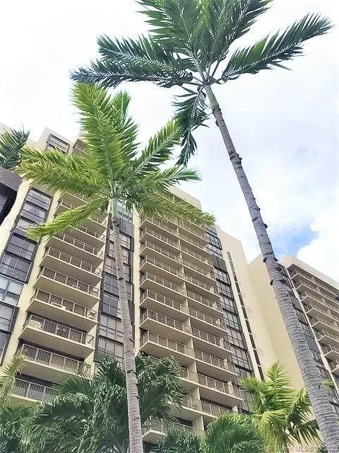 1450 Brickell Bay Dr #1905, Miami, FL 33131 (MLS #A10925697) :: Castelli Real Estate Services