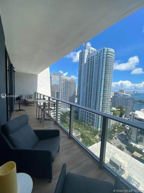 1010 Brickell Ave #2403, Miami, FL 33131 (MLS #A10934411) :: The Pearl Realty Group