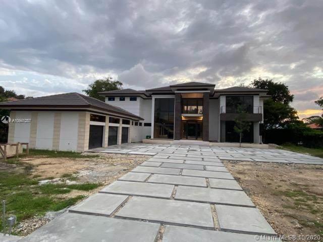 6850 SW 73rd Ct, Miami, FL 33143 (MLS #A10941257) :: Berkshire Hathaway HomeServices EWM Realty
