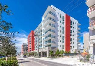 7661 NW 107 AVENUE #504, Doral, FL 33178 (MLS #A10949756) :: Ray De Leon with One Sotheby's International Realty