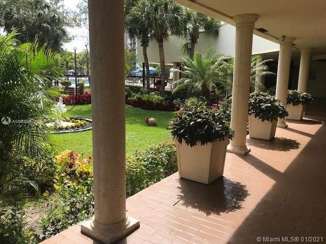 17021 N Bay Rd #928, Sunny Isles Beach, FL 33160 (MLS #A10960848) :: Douglas Elliman