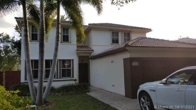 16356 SW 85th Ln, Miami, FL 33193 (MLS #A10961161) :: Carole Smith Real Estate Team