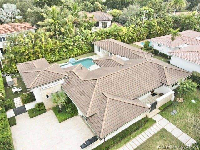 4841 Ronda St, Coral Gables, FL 33146 (MLS #A10979620) :: The Riley Smith Group