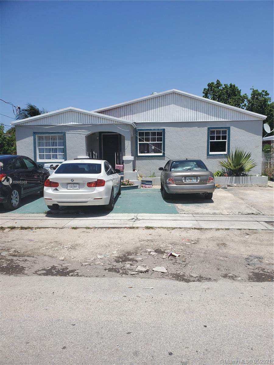 2527 13th Ave - Photo 1