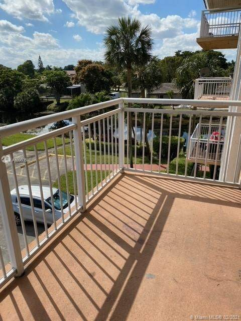 455 S Pine Island Rd 303C, Plantation, FL 33324 (MLS #A10980507) :: Green Realty Properties