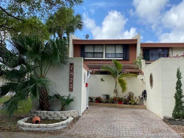 7822 SW 106 Cir, Miami, FL 33173 (MLS #A11007694) :: The Rose Harris Group