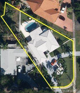 901 Ibis Ave, Miami Springs, FL 33166 (MLS #A11013741) :: The Riley Smith Group