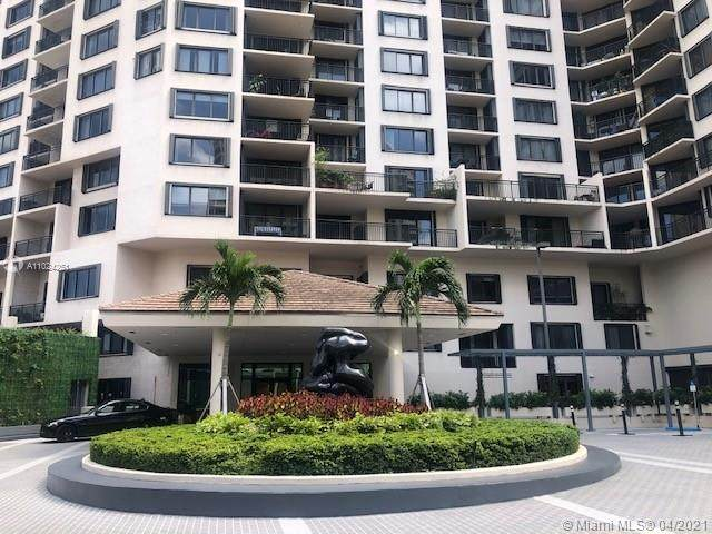 540 Brickell Key Dr #215, Miami, FL 33131 (MLS #A11024251) :: The Riley Smith Group