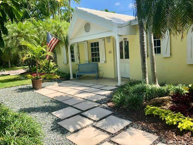 571 Glenridge Rd, Key Biscayne, FL 33149 (MLS #A11029626) :: KBiscayne Realty