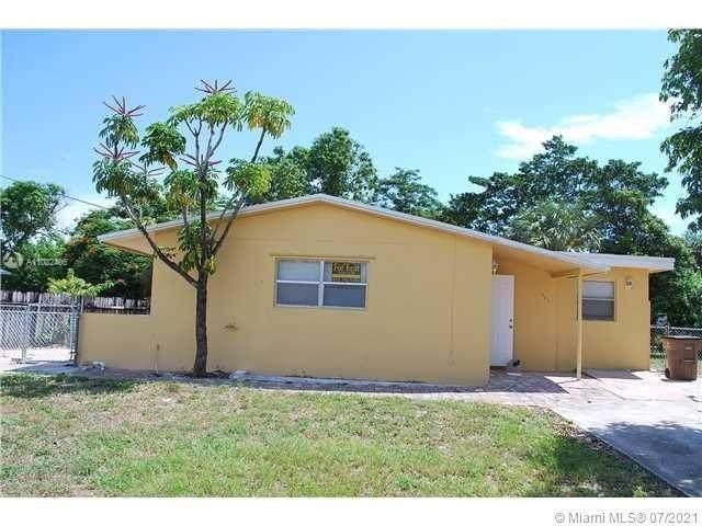 521 NE 45th St, Deerfield Beach, FL 33064 (MLS #A11032406) :: Onepath Realty - The Luis Andrew Group