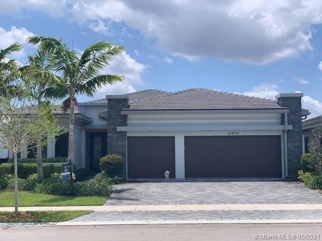 10470 Mira Vista Dr, Parkland, FL 33076 (MLS #A11037152) :: Team Citron