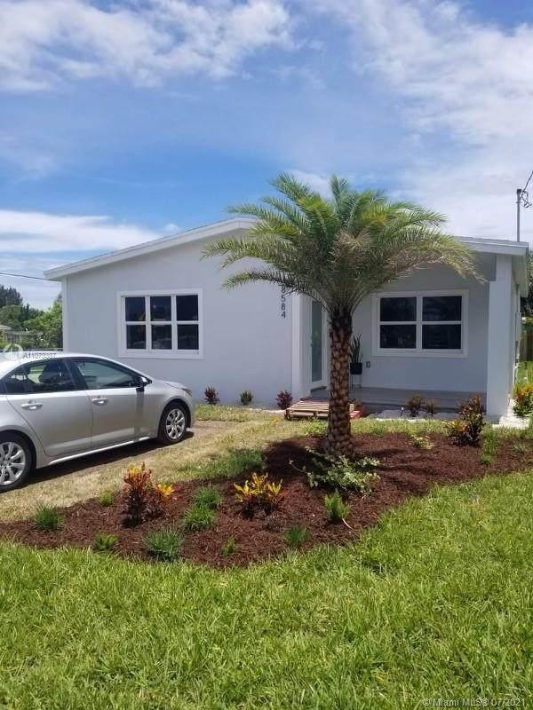 8584 SE Date, Hobe Sound, FL 33455 (MLS #A11073387) :: The Rose Harris Group