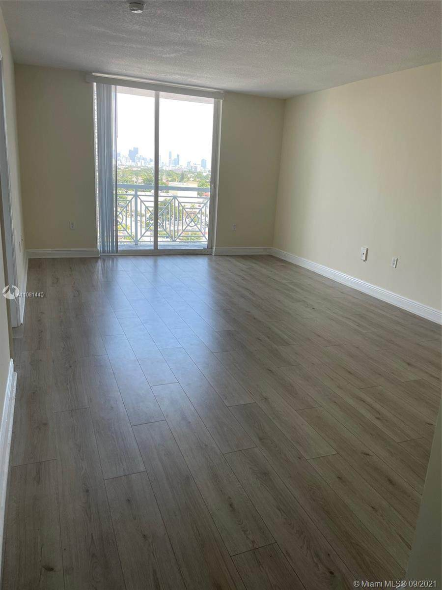 60 37th Ave - Photo 1