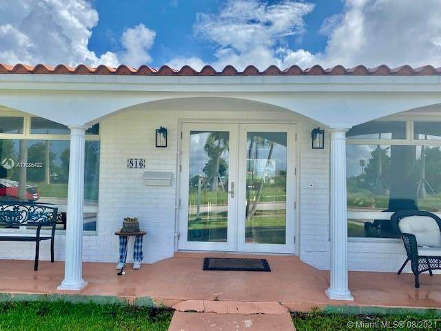 816 Polk St, Hollywood, FL 33019 (MLS #A11086492) :: Onepath Realty - The Luis Andrew Group