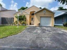 22220 SW 101st Ct, Cutler Bay, FL 33190 (MLS #A11108629) :: Rivas Vargas Group