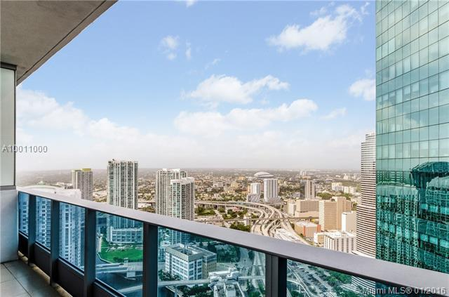 200 Biscayne Boulevard Way #5011, Miami, FL 33131 (MLS #A10011000) :: Ray De Leon with One Sotheby's International Realty