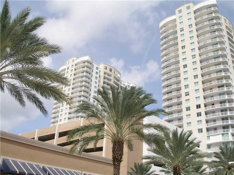 1755 E Hallandale Beach Blv 1201E, Hallandale, FL 33009 (MLS #A10161929) :: United Realty Group