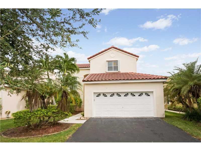120 W Bayridge Dr, Weston, FL 33326 (MLS #A10171272) :: United Realty Group