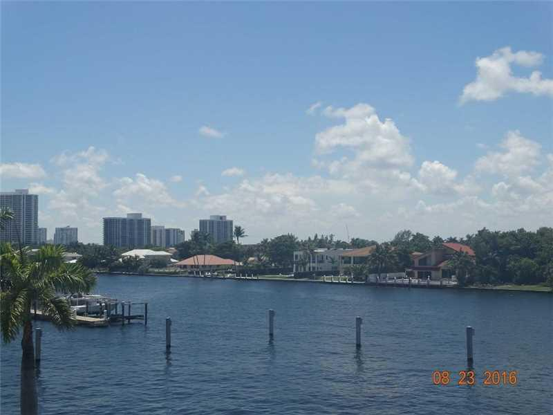 1913 S Ocean Dr #425, Hallandale, FL 33009 (MLS #A10173592) :: United Realty Group