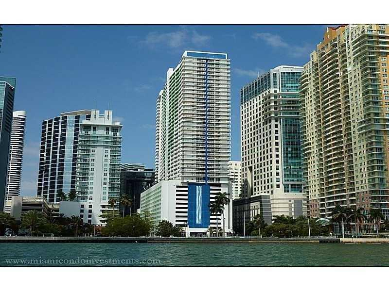 1200 Brickell Bay Dr #1822, Miami, FL 33131 (MLS #A10176023) :: United Realty Group