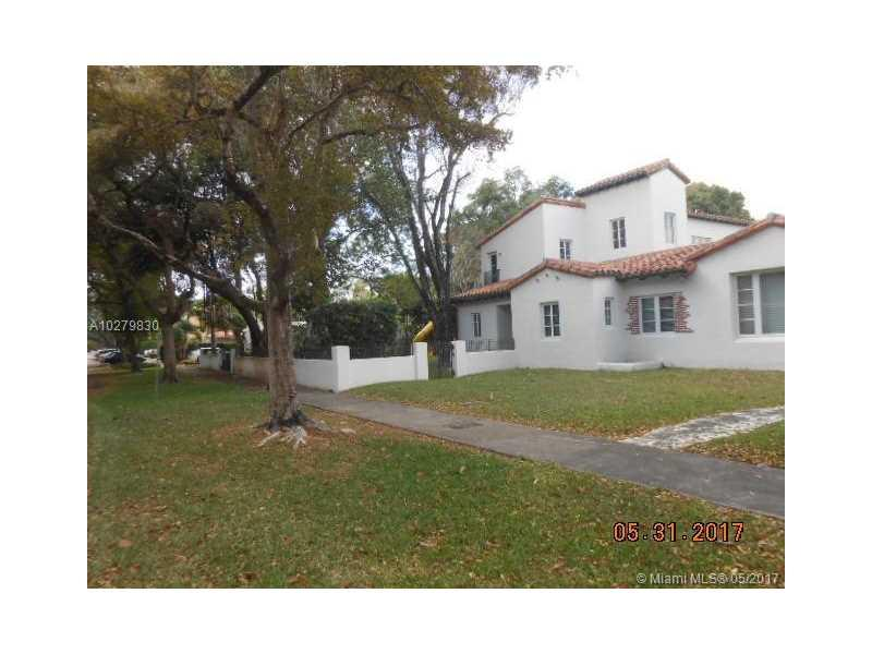 911 Catalonia Ave, Coral Gables, FL 33134 (MLS #A10279830) :: The Riley Smith Group