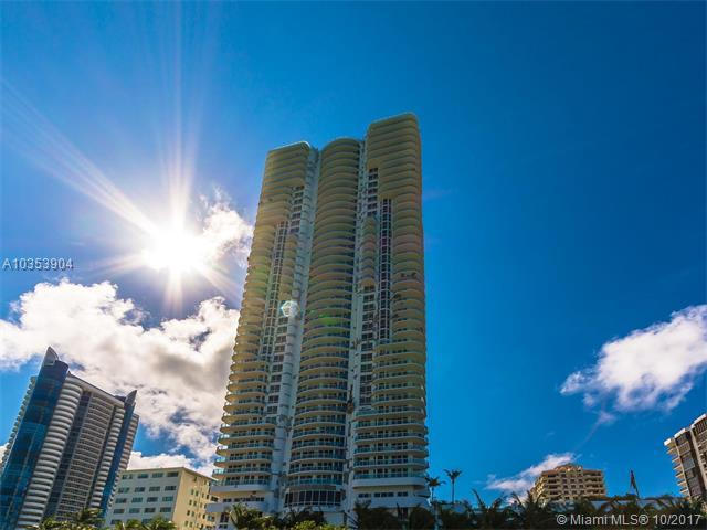 6365 Collins Ave #3311, Miami Beach, FL 33141 (MLS #A10353904) :: The Teri Arbogast Team at Keller Williams Partners SW