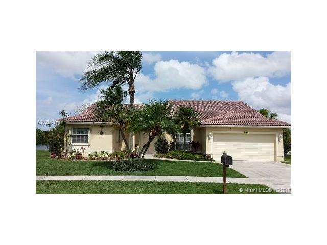 1456 SW 98 LN, Davie, FL 33324 (MLS #A10354373) :: RE/MAX Presidential Real Estate Group
