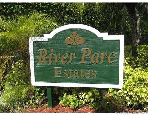2535 NE 206th Ln, Miami, FL 33180 (MLS #A10354731) :: Green Realty Properties